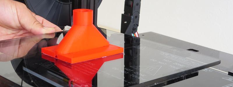 多種類の素材にも対応できるヒーター付成型テーブルをご用意