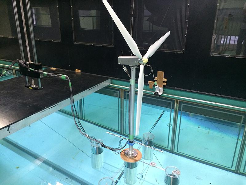 風車模型の円柱とLアングルをつなぐ冶具