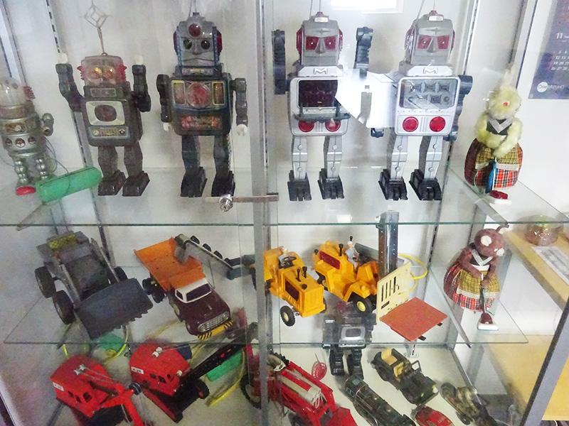 かつてヨーロッパへ輸出していたブリキのおもちゃ